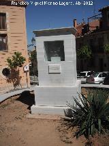 Monumento A Rafael Contreras De La Paz